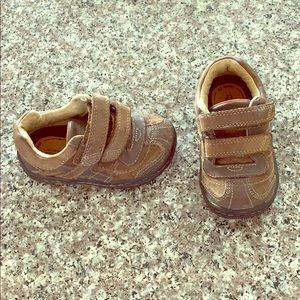 Baby boy brown leather stride rite shoes size 5.5